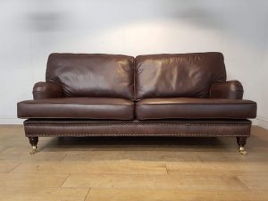 Distinctive Chesterfields Fulham Comfy Sofa