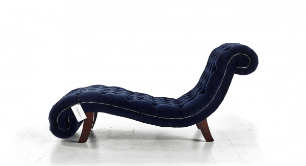Distinctive Chesterfield Paris Chaise Longue